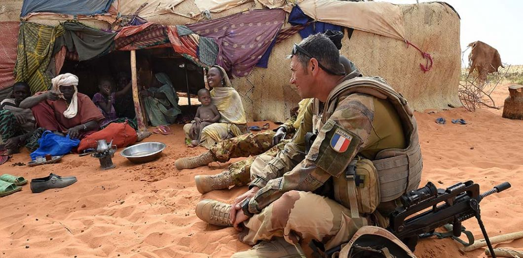 Mali: Les troupes françaises mènent une campagne anti-jihadiste embourbée dans la boue et la méfiance