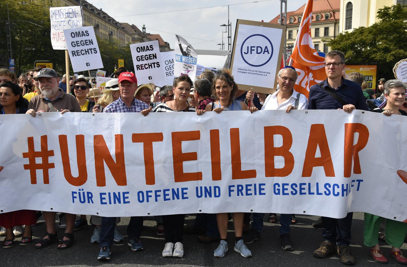Allemagne : des milliers de manifestants contre l'extrême droite