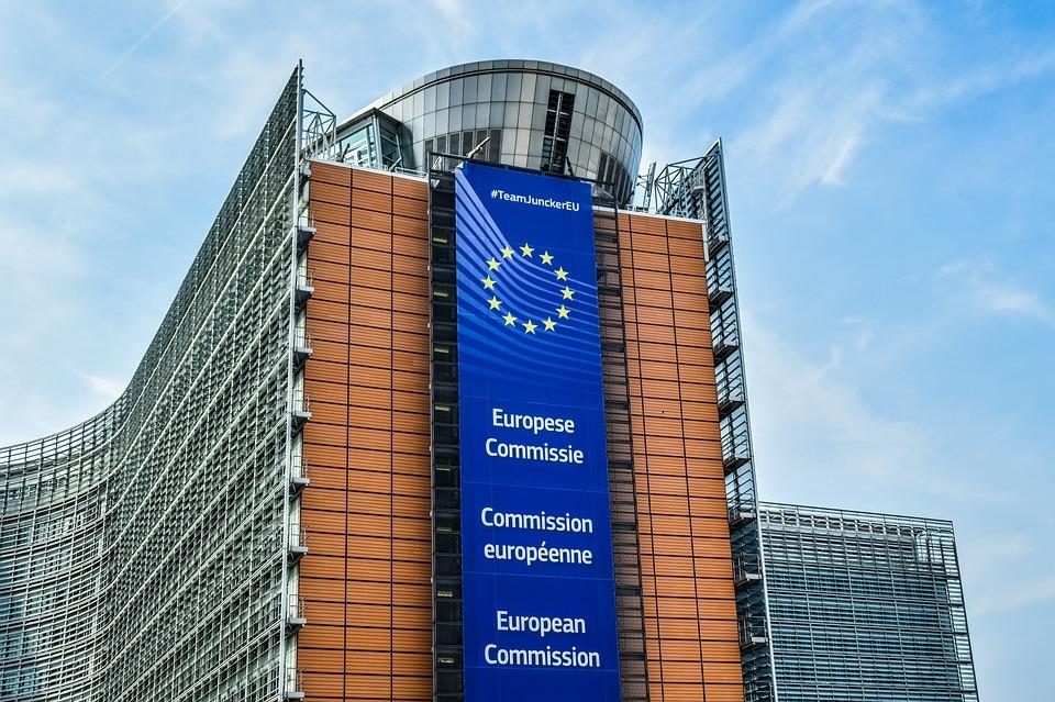 La Commission européenne abaisse ses prévisions de croissance