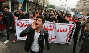 Les Irakiens dans la rue malgré une tuerie à Bagdad