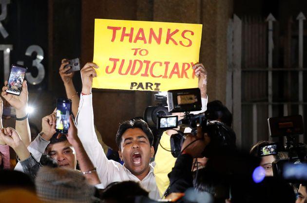L'Inde exécute les responsables du viol collectif de Delhi
