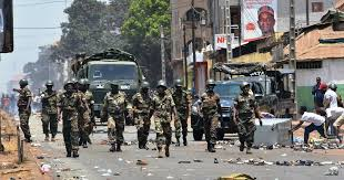 La Guinée avance dans l'incertitude