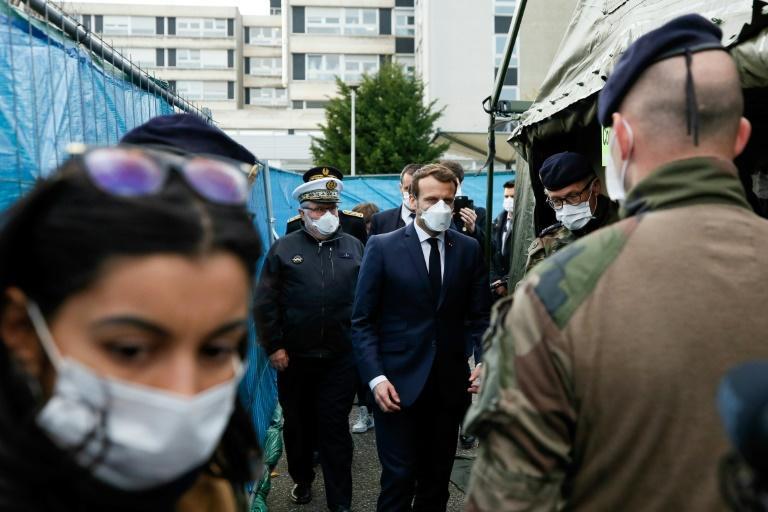 Coronavirus: aggravation rapide de l'épidémie en France, premier décès d'une adolescente