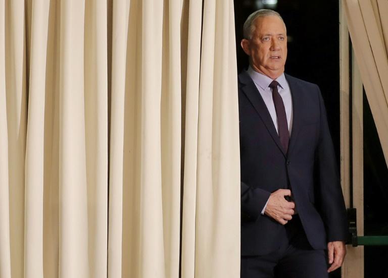 Israël: Gantz prie en dernier recours Netanyahu de former un gouvernement
