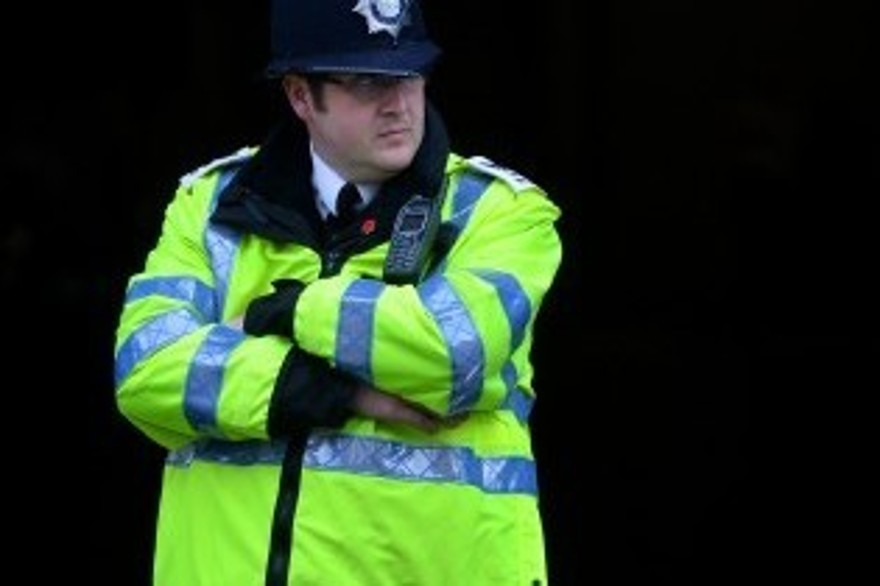 Accusé de viol, un ancien ministre britannique arrêté