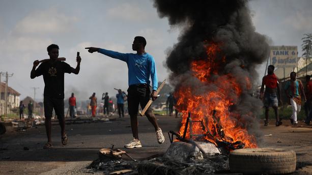 Nigeria : le président Buhari inflexible face au soulèvement populaire
