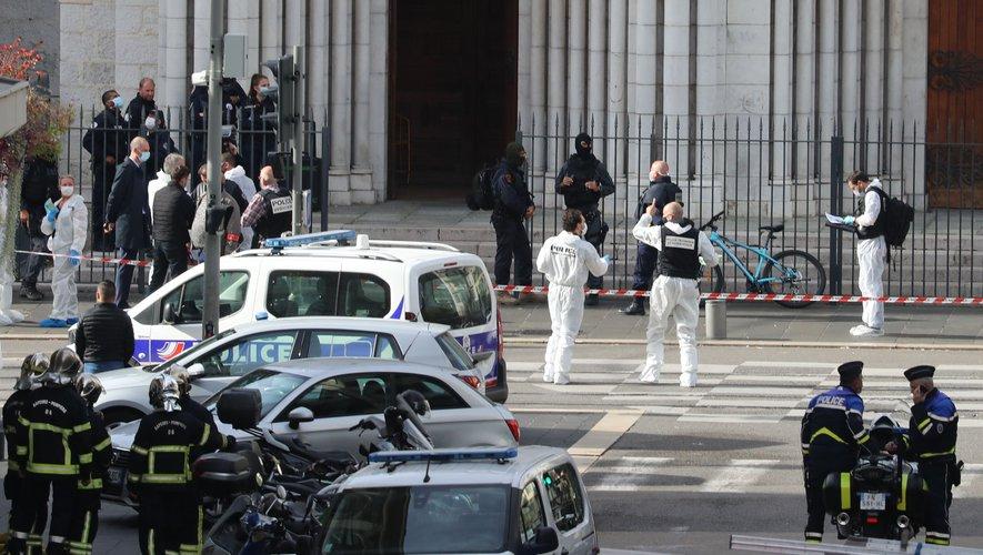 L'attaque au couteau à Nice fait au moins trois morts