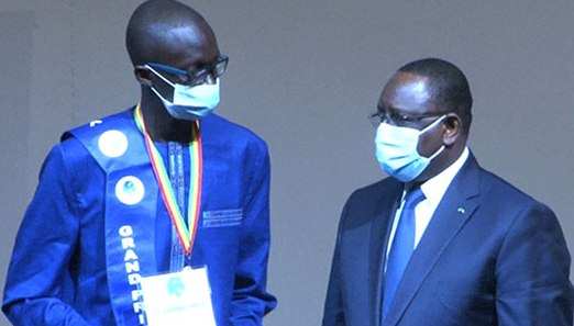 L'étudiant Mouhamadou Lamine Kébé remporte le grand prix du président de la République pour l'innovation numérique