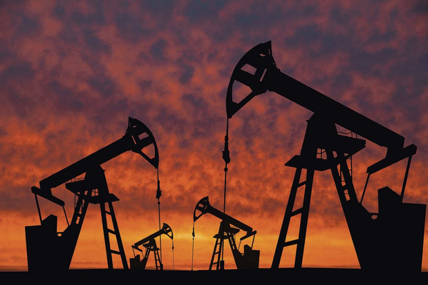 Les prix du pétrole se stabilisent de manière variée avant la réunion de l'OPEP+