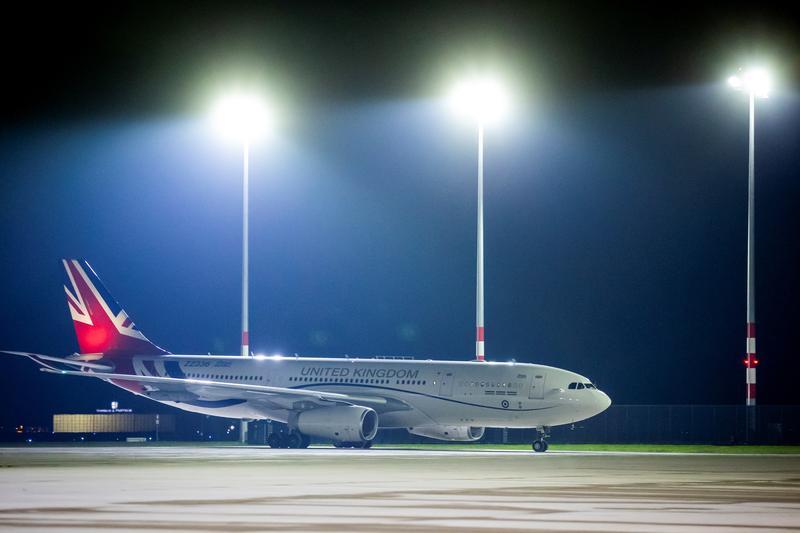 La suspension des vols vers le Royaume-Uni accroit la tourmente dans le transport aérien