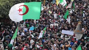 En Algérie, 3 jeunes militants, dont « le poète du Hirak », condamnés