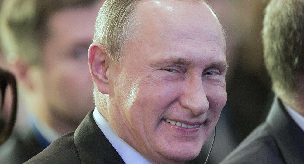 Géopolitique : Poutine accuse les Occidentaux d'utiliser Navalny