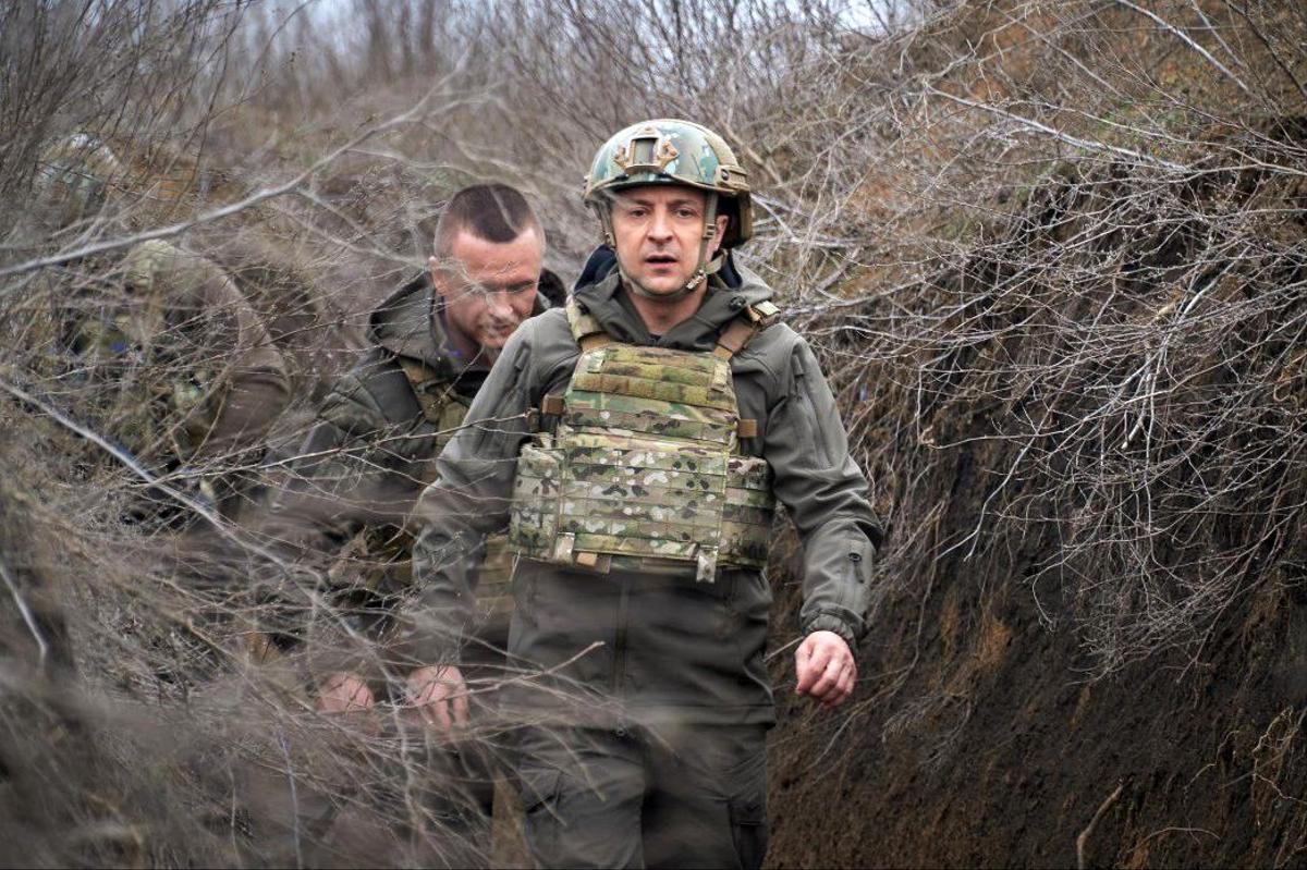 Le président ukrainien à la frontière avec la Russie