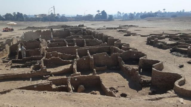 """EGYPTE : La """"cité d'or perdue"""" découverte révèle la vie des anciens pharaons"""