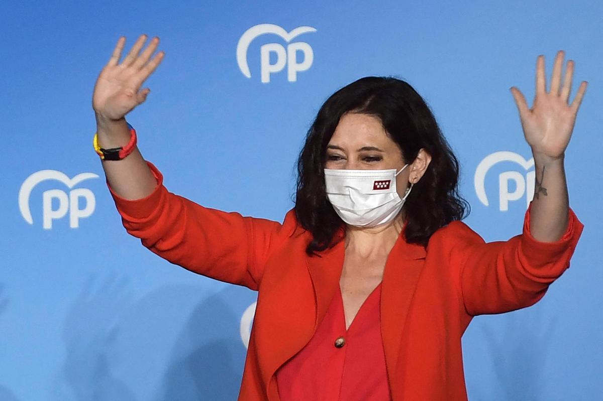 Madrid: la droite espagnole triomphe aux élections régionales avec Isabel Diaz Ayuzo