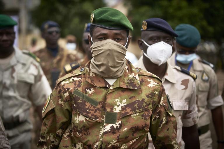 Investi président, le colonel Assimi Goïta assure que le Mali tiendra tous ses engagements