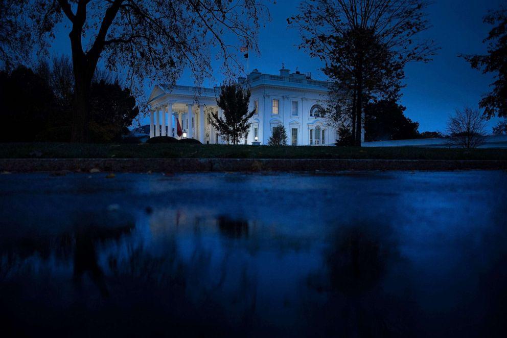 États-Unis : Des cas positifs au Covid-19 détectés à la Maison-Blanche