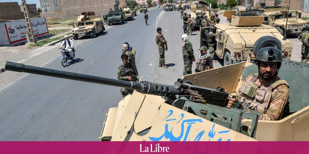 Afghanistan : Les talibans contrôlent cinq capitales régionales