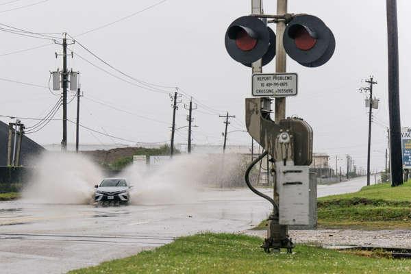 Ouragan : «Nicholas» est sur les côtes texanes