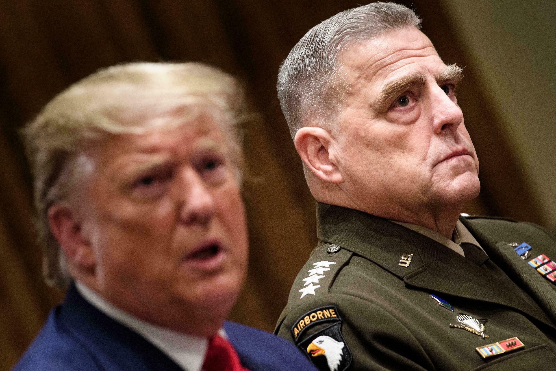 Donald Trump aux côtés du Général Mark Milley