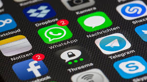 Réseaux sociaux hors service : les malheurs de Facebook font le bonheur de ses concurrents
