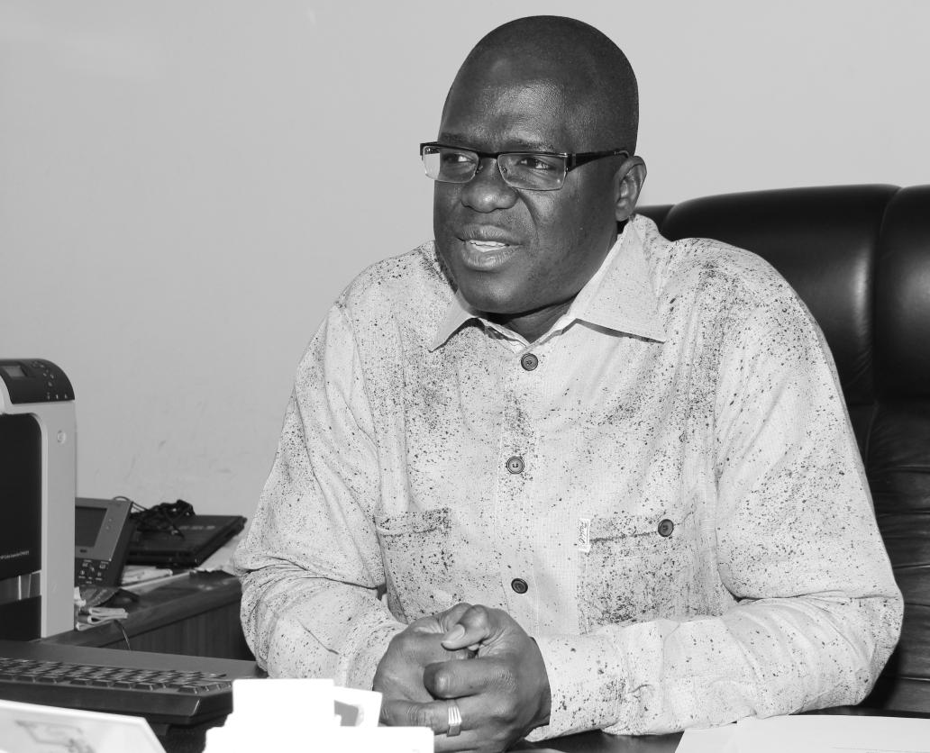 PR AHMADOU ALY MBAYE (ECONOMISTE): «Un pays qui émerge, on sait à quoi il ressemble.»