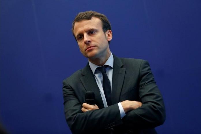 Emmanuel Macron poursuit sa marche, sans dire vers où