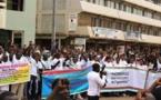 """Terrorisme: marche silencieuse contre """"la barbarie"""" à Ouaga"""