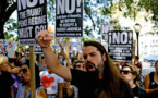 Le Congrès condamne les groupes suprémacistes blancs, Trump signe