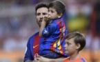 Le fils de Messi chante en catalan, Piqué répond
