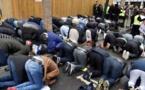 France: Une centaine d'élus tentent d'empêcher une prière de rue