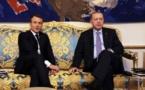 """Turquie-UE: Macron propose un """"partenariat"""", Erdogan fustige les «jardiniers du terrorisme»"""
