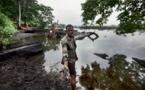Pollution et marées noires au Nigeria: Amnesty accuse Shell et ENI d'imprudence