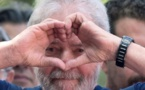 Brésil: Lula dit à son parti qu'il est libre de trouver un autre candidat à la présidentielle