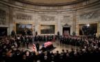 La dépouille de George H.W. Bush exposée solennellement à Washington