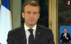 """Macron tente de calmer la colère, sans convaincre les """"gilets jaunes"""""""