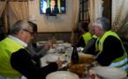 Macron annonce une volée de mesures pour apaiser les gilets jaunes