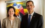 Juan Guaidó est accompagné par la sous-secrétaire d'État US