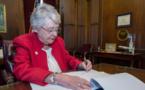"""""""Toute vie est un cadeau sacré de Dieu"""" : l'Alabama promulgue la loi anti-avortement la plus stricte des Etats-Unis"""