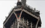 Un grimpeur fait évacuer la tour Eiffel