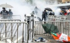 Hong Kong: la manifestation vire à l'affrontement avec la police