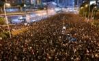 """Hong Kong: nouvelle manifestation record, """"excuses"""" de la cheffe de l'exécutif"""