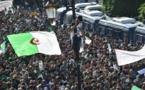"""Marée humaine à Alger pour une """"nouvelle Révolution"""""""