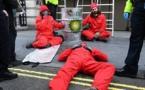 Londres: Greenpeace bloque le siège de BP