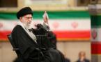 L'Iran doit devenir fort pour en finir avec les « menaces de l'ennemi », dit Khamenei