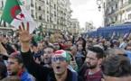« Hirak »: les Algériens défient dans la rue le coronavirus