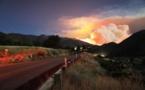 Californie : Les pompiers peinent à contenir un incendie monstre