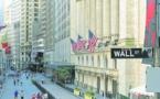 Wall Street finit en léger recul alors que Biden creuse l'écart