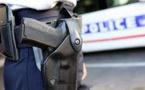 Un policier tue par balles un homme qui l'a menacé au couteau