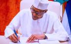 Au Nigeria, le président Buhari promulgue la loi censée réguler le secteur pétrolier